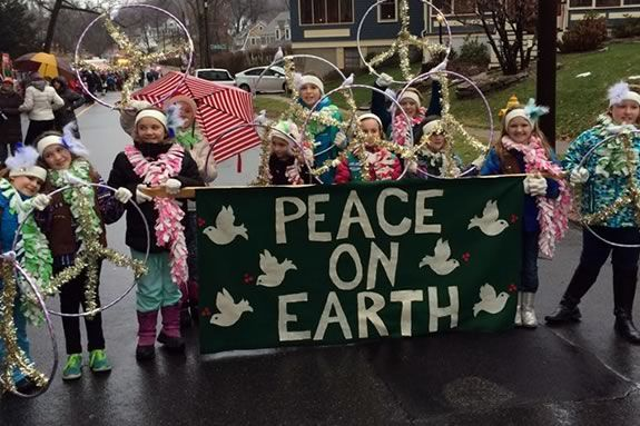 Enjoy the tradition of the Amesbury Massachusetts Holiday parade with your family!