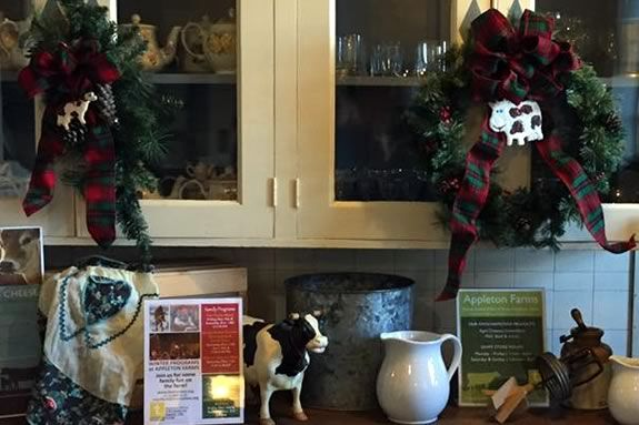 Come to a wrCome to Appleton Farms in Ipswich Massachusetts to make your own Holiday Wreath!