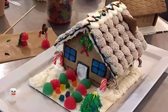 Kids will learn how to decorate gingerbrad houses at Marini Farm in Ipswich MA!