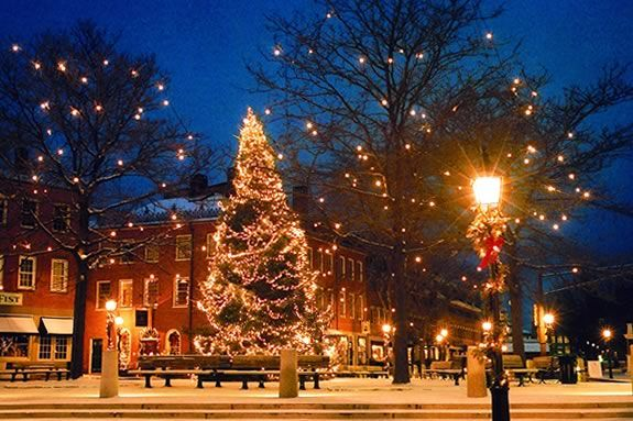 Downtown Newburyport is the place to shop during the invitation nights!