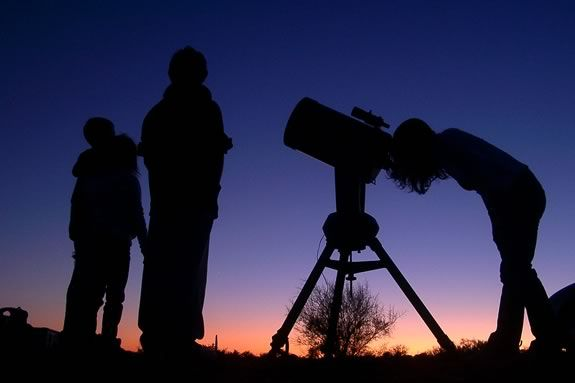 Teens are invited to the Newbury Town Library for a Star Party Hosted by the North Shore Amateur Astronomy Club!