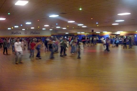 Roller Skating - North Shore Activities for Children