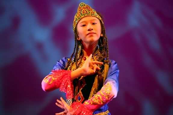 "Yasmine will perform ""Aurora Over the Silk Road"" at Children's Museum of NH"