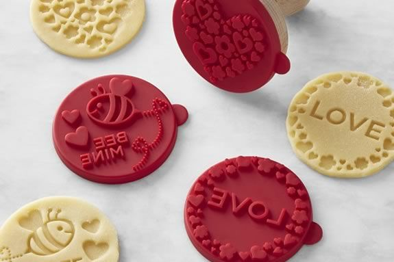 Junior chefs will make and deocrate their own valentine cookies at this Williams-Sonoma workshop class!
