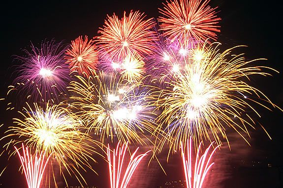 Yankee Homecoming will once again hold its traditional grand finale fireworks.
