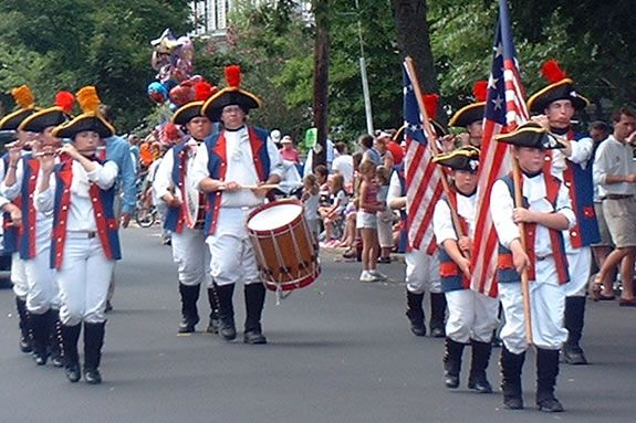 The Yankee Homecoming Parade is a traditional New England parade featuring bands
